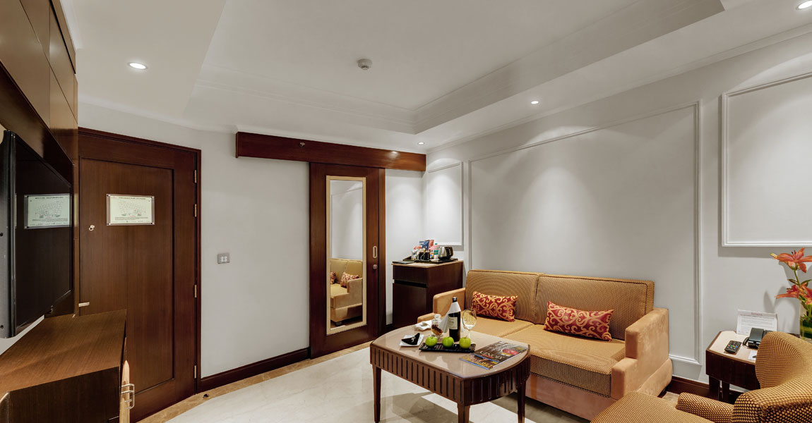 Business-Suite---Living-Room-Ramada-Plaza-Chennai